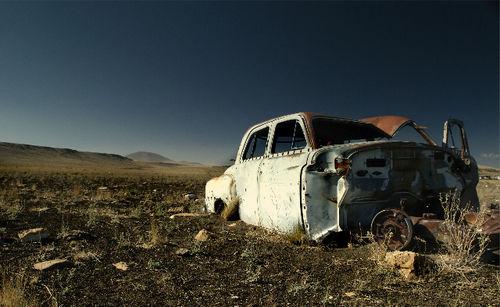Abandoned Car_DSC0136 - 2007-10-17